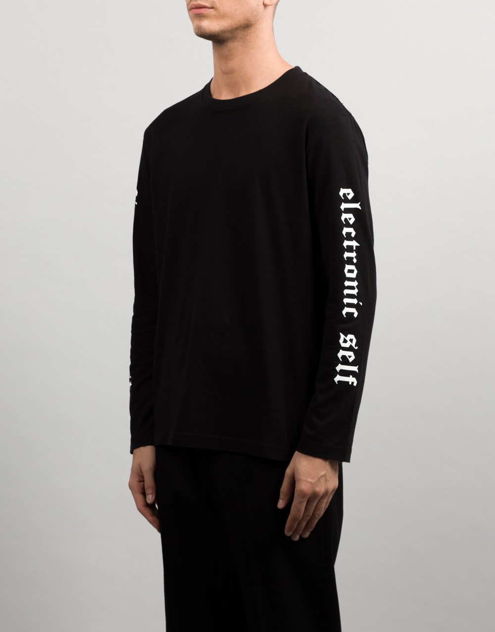 FoA. Electronic Self Long-sleeve